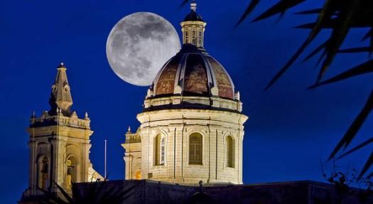 Moonshine-church-dome.jpg